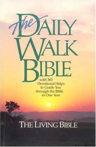 9780842379151: The Daily Walk Bible (Living Bible)