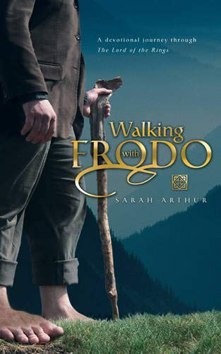 9780842385541: Walking With Frodo: A Devotional Journey Through the Lord of the Rings