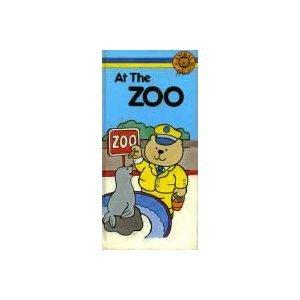 9780843110906: Animal Pals At Zoo