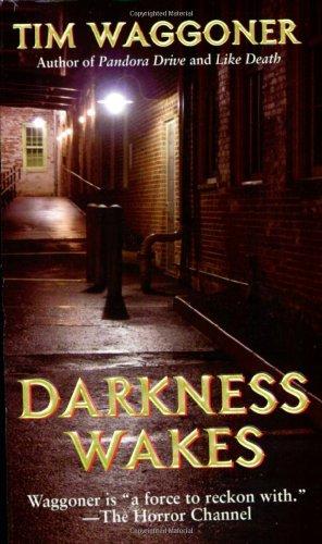 9780843957945: Darkness Wakes