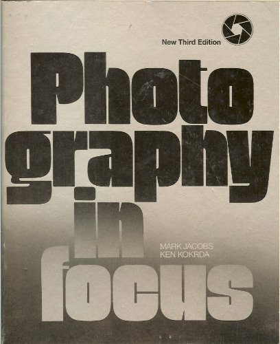 9780844254197: Photography in focus: A basic text