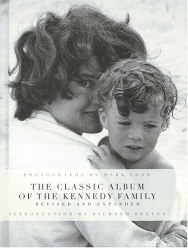 9780847822737: The John F. Kennedys: A Family Album
