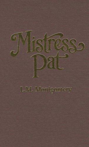 9780848811037: Mistress Pat