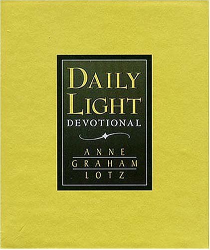 9780849954481: Daily Light Devotional (Green Leather)