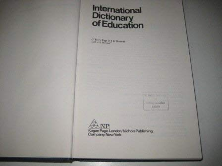 9780850383010: International Dictionary of Education