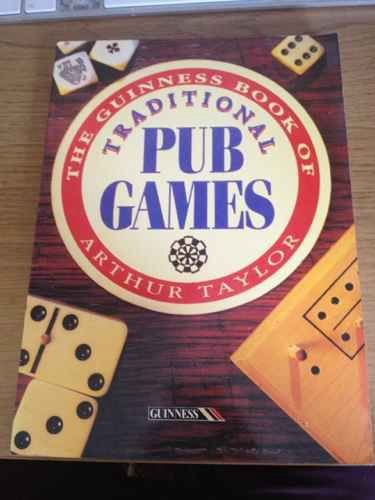 9780851125305: The Guinness Book of Traditional Pub Games