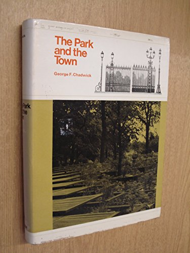 9780851395128: Park and the Town
