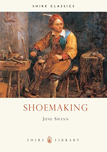 9780852637784: Shoemaking (Shire Library)