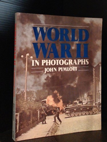 9780856136702: World War II in Photographs