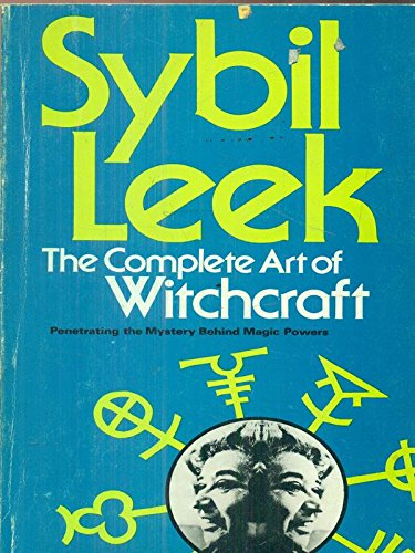 9780856321900: Complete Art of Witchcraft