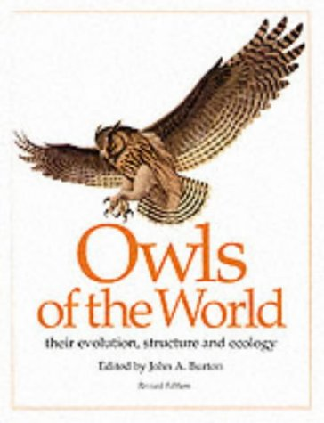 9780856546570: Owls of the World