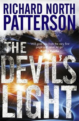 9780857385734: The Devil's Light