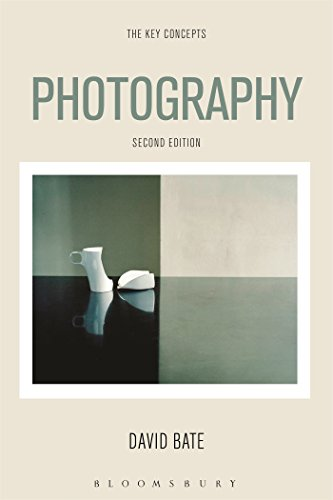 9780857854933: Photography: The Key Concepts