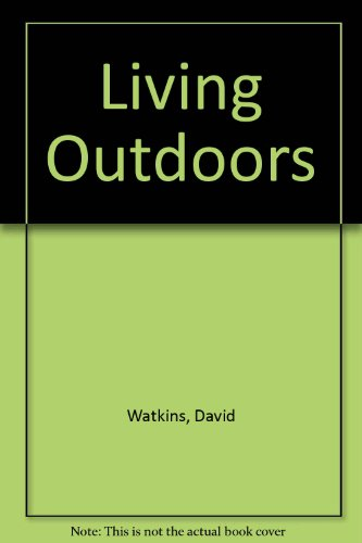 9780860202134: Living Outdoors