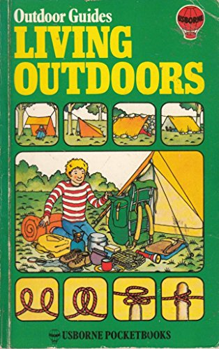 9780860202141: Living Outdoors