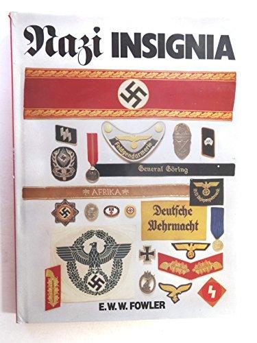 9780861247509: Nazi insignia