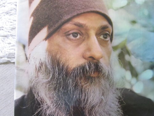 9780861260966: Sound of Running Water: Photobiography of Bhagwan Shree Rajneesh and His Work, 1974-78