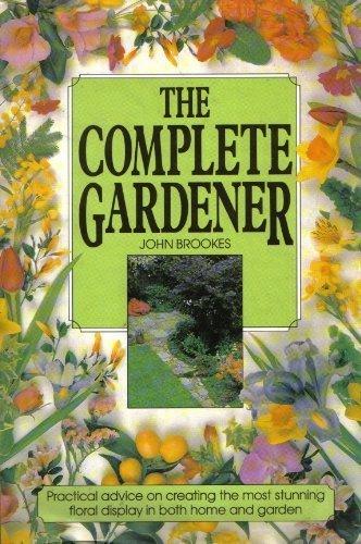 9780862837969: THE COMPLETE GARDENER