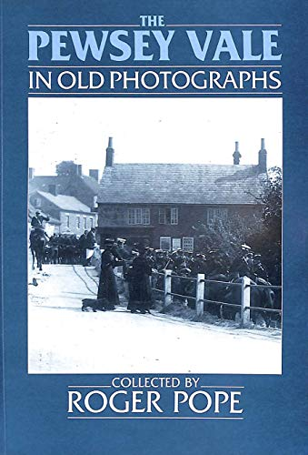 9780862995812: The Pewsey in Old Photographs