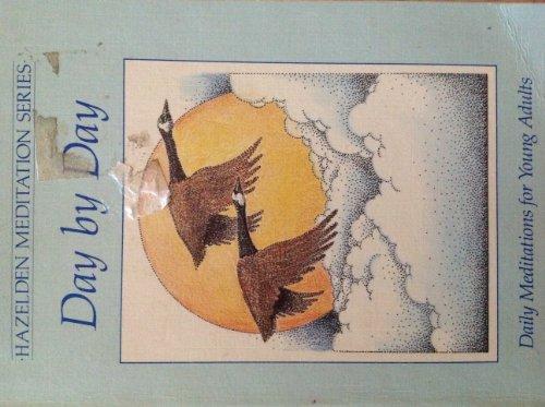 9780866835367: Day by Day (Hazelden Meditation Series)