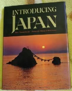 9780870113086: Introducing Japan