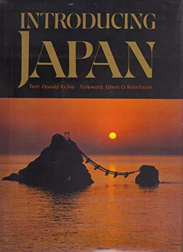 9780870115059: Introducing Japan