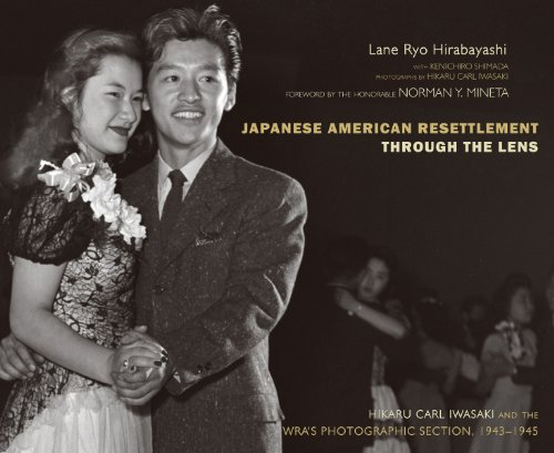 9780870819285: Japanese American Resettlement through the Lens: Hikaru Iwasaki and the WRA's Photographic Section, 1943-1945