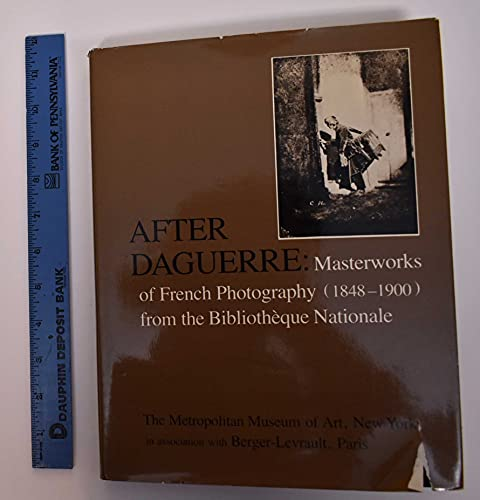 9780870992575: The Manchu Dragon: Costumes of the Ch'ing Dynasty 1644-1912