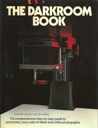 9780871651068: The Darkroom Book