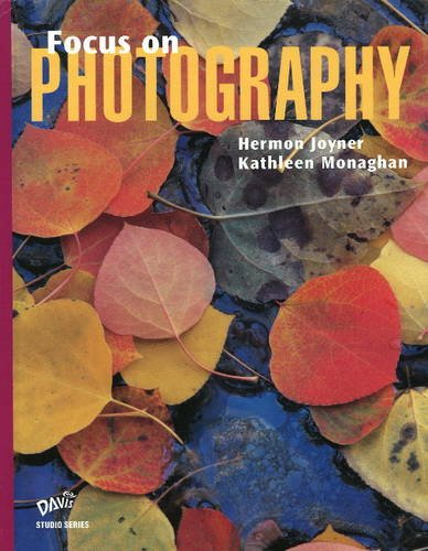 9780871927217: Focus on Photography