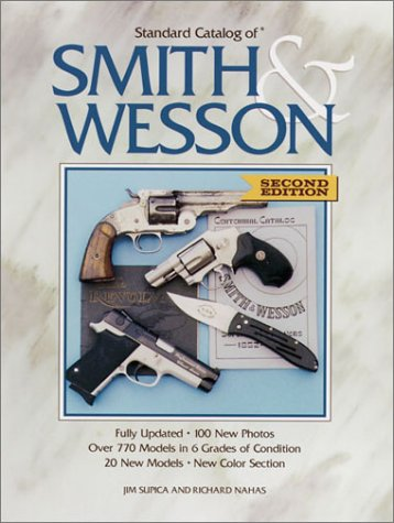 9780873492720: Standard Catalog of Smith & Wesson