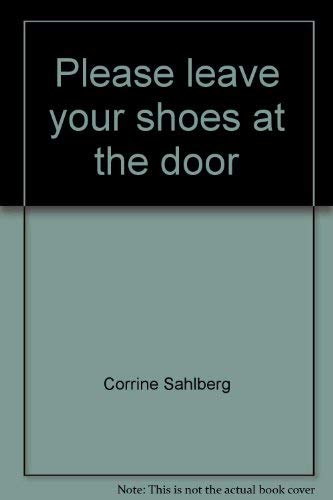 9780875094861: Please leave your shoes at the door (The Jaffray collection of missionary portraits)