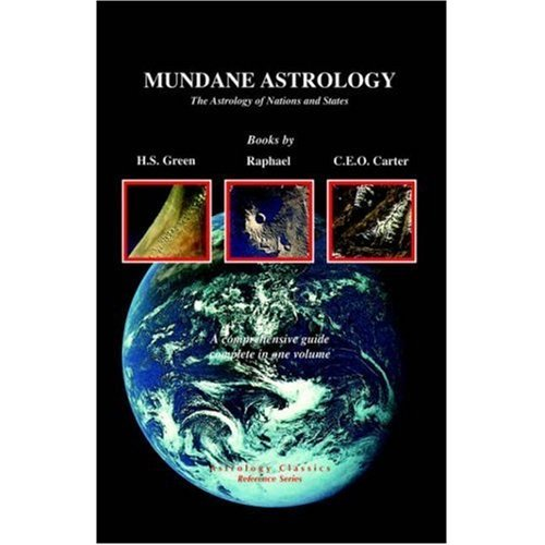 THE ASTROLOGY OF THE MACROCOSM: New Directions in Mundane Astrology: McEvers, Joan