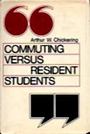 9780875892313: Commuting Versus Resident Students: Overcoming the Educational Inequities of Living Off Campus (The Jossey-Bass Series in Higher Education)