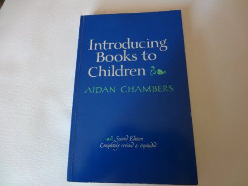 9780876752852: Introducing Books to Children