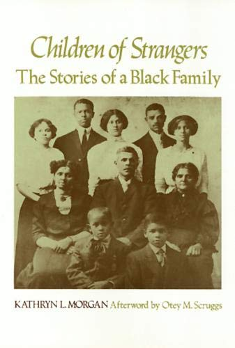 9780877222408: Children Of Strangers: The Stories of a Black Family