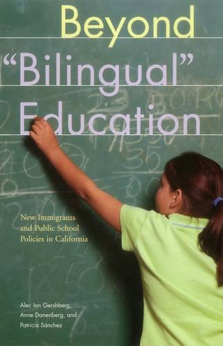 9780877667230: Beyond Bilingual Education: New Immigrants and Public School Policies in California (Urban Institute Press)
