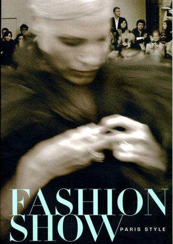 9780878467075: Fashion Show: Paris Style