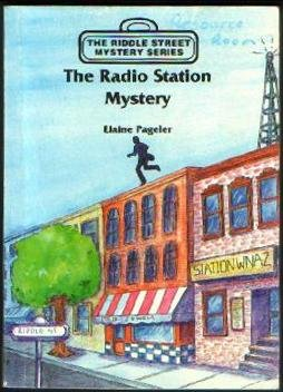 9780878799879: The radio station mystery (The riddle street mystery series)