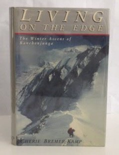 9780879052713: Living on the Edge: The Winter Ascent of Kanchenjunga