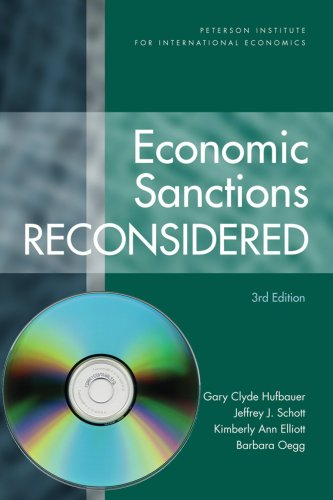 9780881324082: Economic Sanctions Reconsidered [with CD]