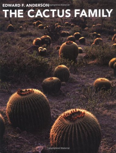9780881924985: The Cactus Family