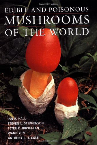 9780881925869: Edible and Poisonous Mushrooms of the World
