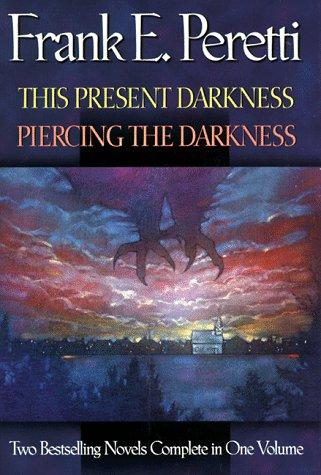 9780884861782: This Present Darkness/Piercing the Darkness: Piercing the Darkness