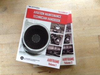 9780884875819: Aviation Maintenance Technician Handbook-Airframe - Volumes 1 and 2 (FAA-H-8083-31)