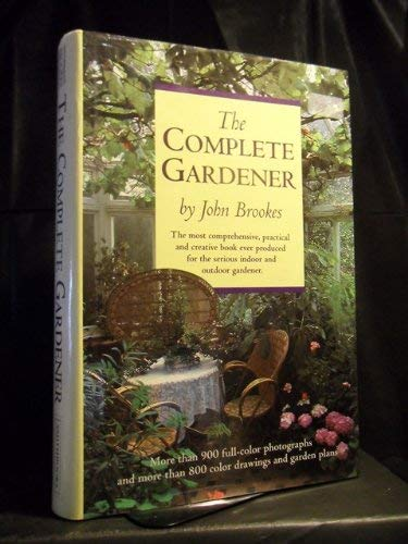 9780886652838: The Complete Gardener
