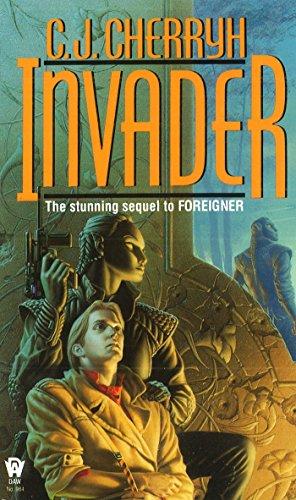 9780886776879: Invader (Foreigner Novels)