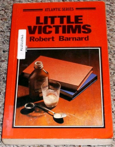 9780893408183: Little Victims (Atlantic Large Print)