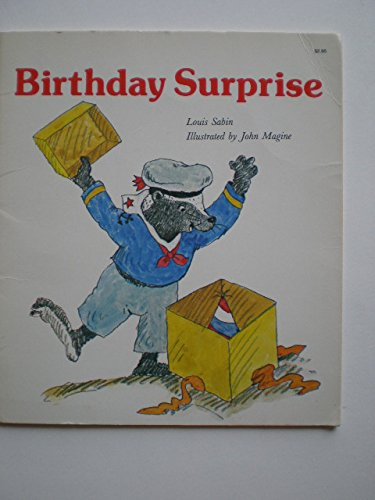 9780893755287: Birthday Surprise (Giant First Start Reader)