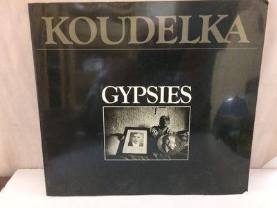 9780893812157: Gypsies